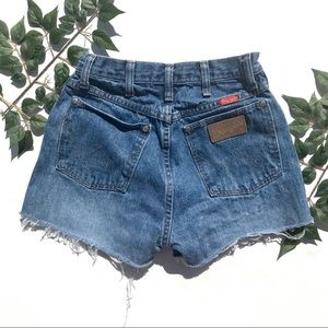 super cute wrangler shorts!